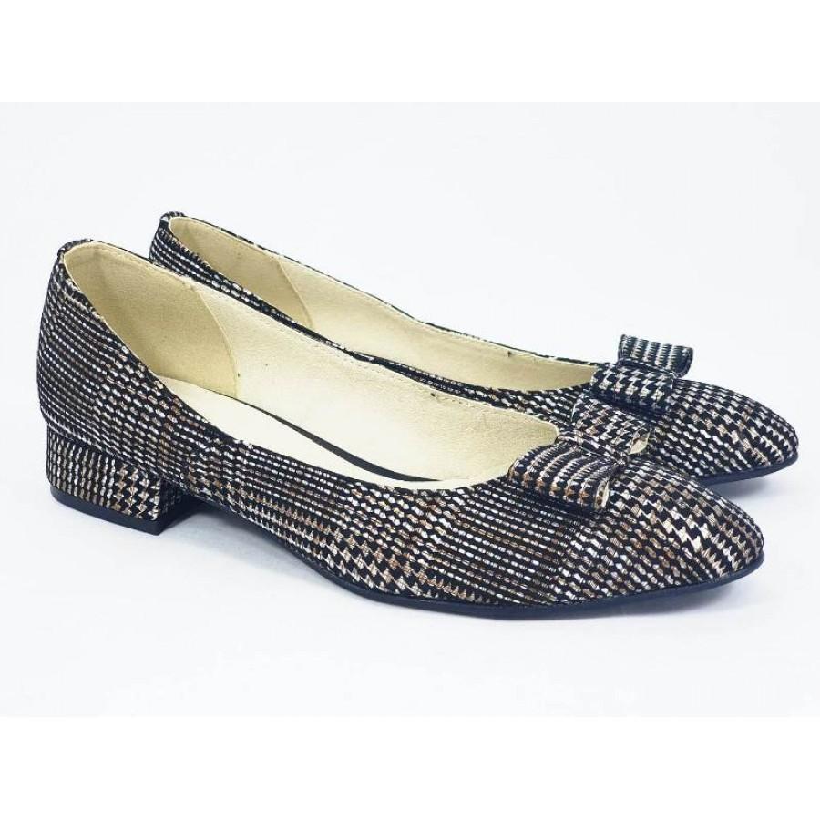 Pantofi in carouri BiaShoes