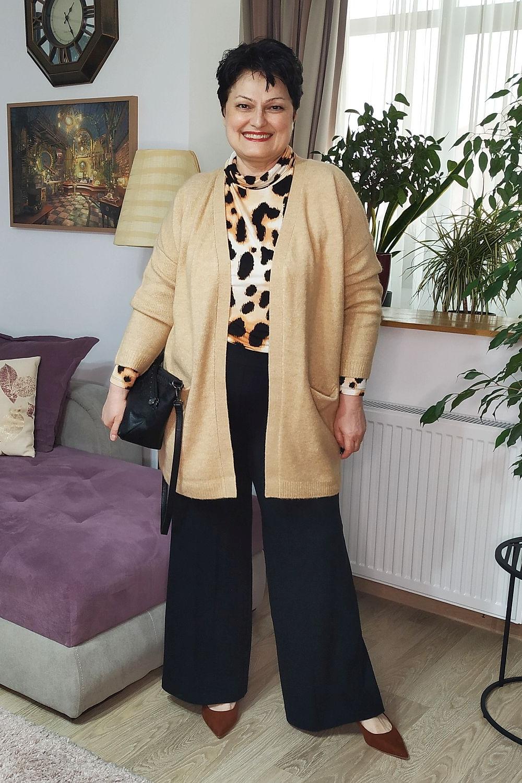 Cum te îmbraci cu stil după 50 de ani dacă eşti plinuţă