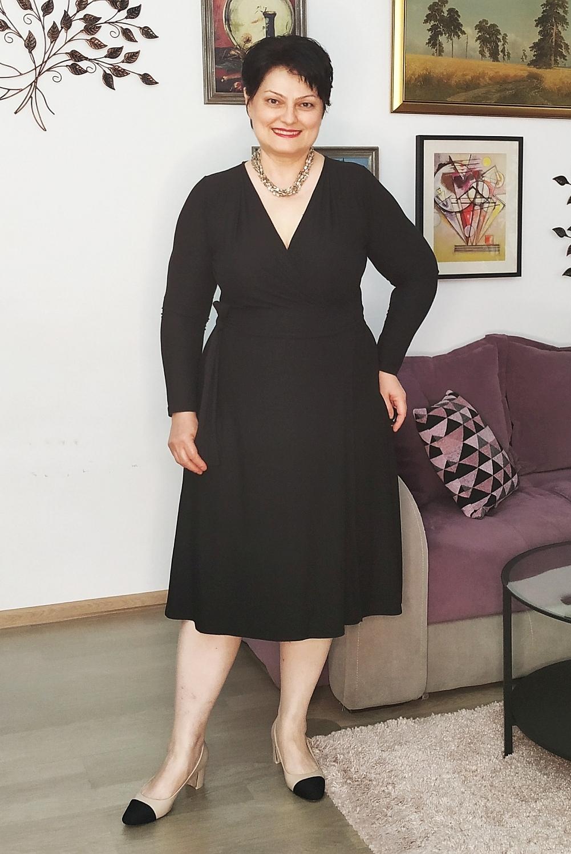 3 (+1) moduri de a purta o rochie neagră