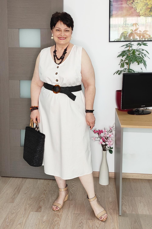 Cinci moduri de a purta o rochie albă de vară